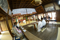 魚吹八幡神社の式場です